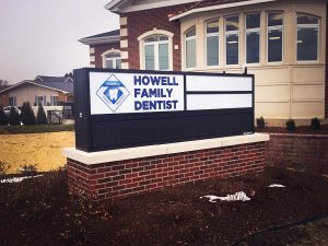 signs-monument-illuminated-howell-family-dentist-6696-ccish