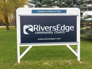 signs-post-rivers-edge-0528-cc