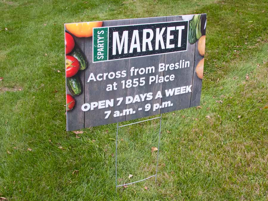 yard-sign-spartys-market-6680-cc